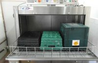 Crate washer